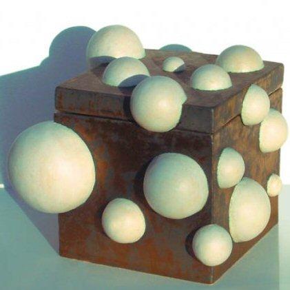 caren simon keramiek bubble box, bronze glaze, ceramic, 41 cm. vierkant